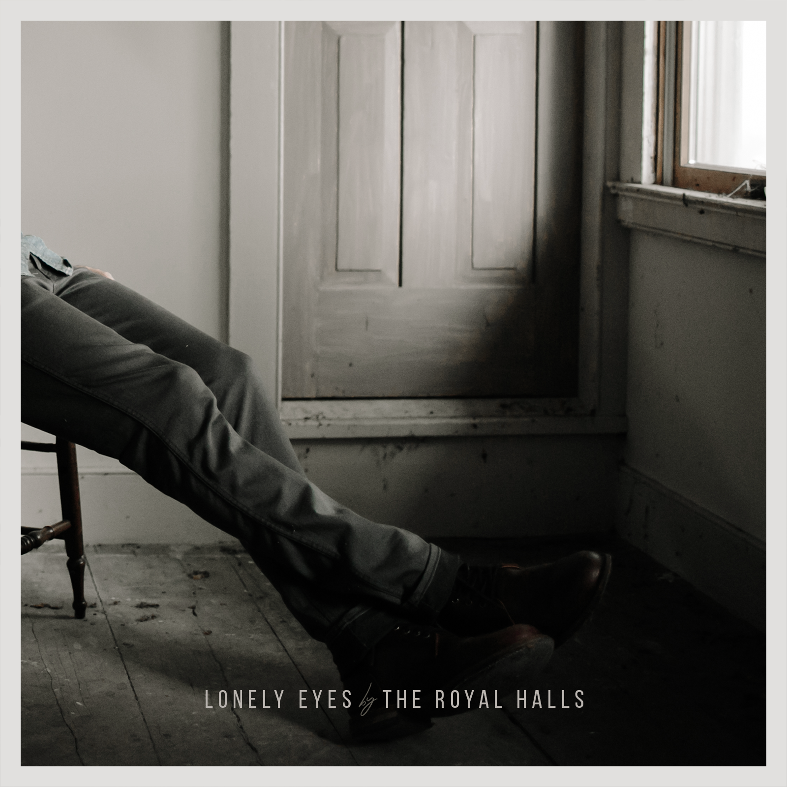 The Royal Halls – Lonely Eyes